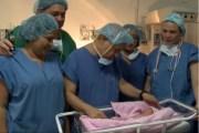 Una bebé nació embarazada de su gemelo, en Colombia