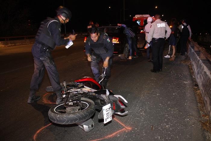 Un motociclista terminó en el hospital por jugarle a