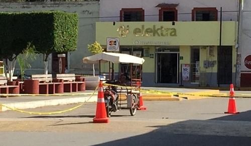 Un mototaxista atropelló a una viejita, en un paso peatonal de Peto y la dejó grave