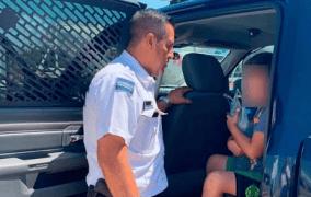 Salen de vacaciones y olvidan a su hijo en una tienda de Chiapas (VÍDEO)