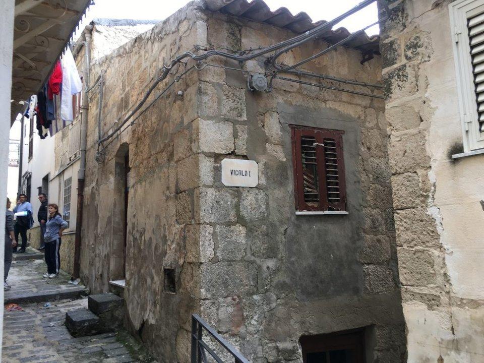 Rematan casas y departamentos en Italia a $25
