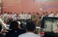 """Se deshacen de """"Lechitas"""", a fin de evitar abucheos contra el Peje, en Ticul"""