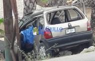 Muere prensada, luego de chocar contra un poste, cerca del puente a Motul