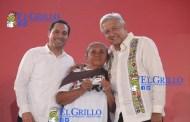 """""""Lechitas"""" intentó boicotear a AMLO en Ticul, porque lo sacaron del presidium"""