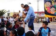 """Miles de niños de Umán celebran su día con juegos, regalos y """"shows"""""""