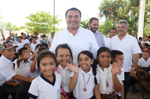 La Comuna ofrecerá 1,580 becas de primaria y secundaria para el curso escolar 2019-2020