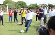 Mauricio Vila inauguró la academia deportiva en el campo