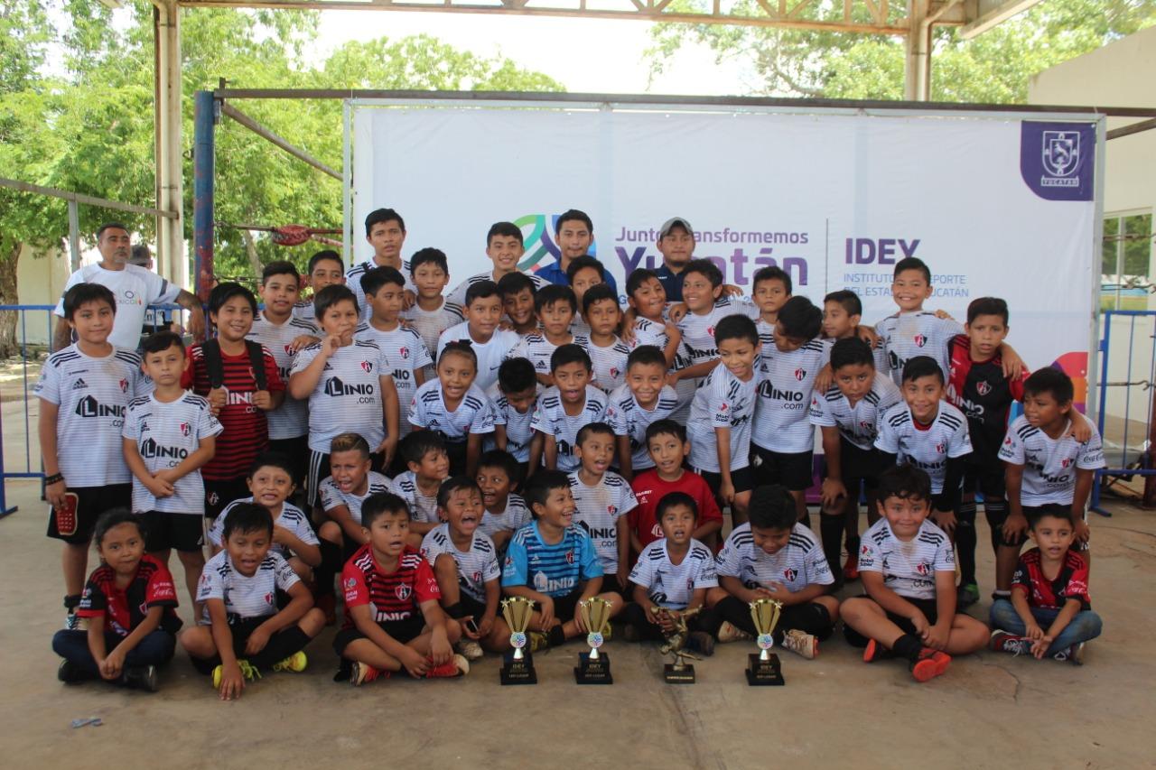 El Club León Chenkú se coronó en dos categorías en el torneo de fútbol Infantil y Juvenil de la UDS