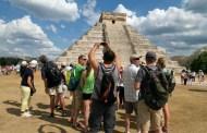 Malas decisiones de AMLO hunden a México en el sector turístico