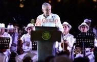 Aplausos y abrazos a AMLO, a pesar de que atenta contra el desarrollo de Yucatán