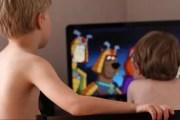 Niños que pasan todo el día en su casa tienen mayor riesgo de padecer miopía