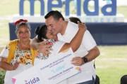 Renán Barrera entregó actas constitutivas a cooperativas de Dzityá, Xcunyá, Chablekal y Dzoyaxché