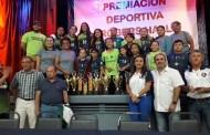 """Los mejores equipos y jugadores de voleibol fueron premiados en la Liga """"Rita Cicero"""", del colegio Rogers"""