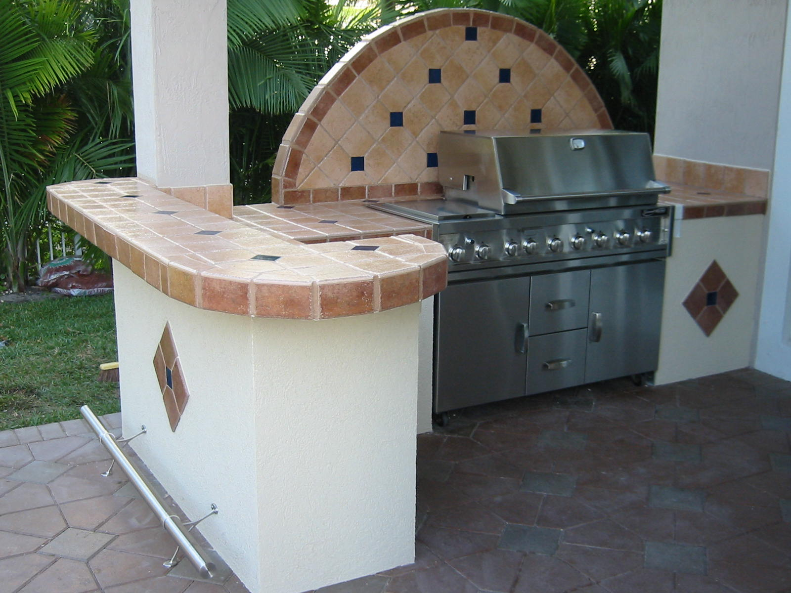 Outdoor Kitchen Design Images | GRILL-REPAIR.COM barbeque ... on Built In Grill Backyard id=67960