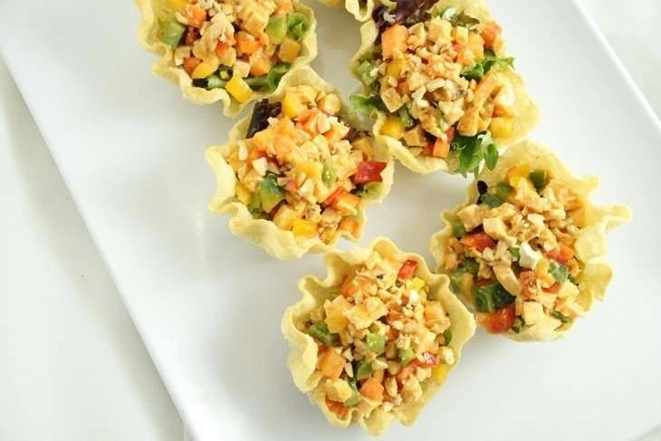Cashew Chicken in Wonton Cups