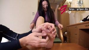 素人W足裏フェチマッチ/専業主婦のかおりさん&OLの恵ちゃん