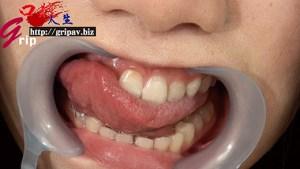 66ミリ大長舌ロリ巨乳の顔舐め唾吐き連射/久我かのん