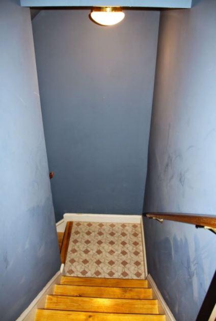 hanging light fixtures for stairways