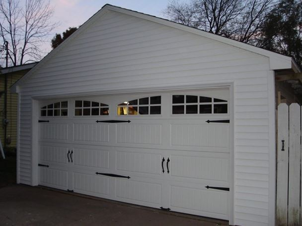 detached garage landscaping ideas