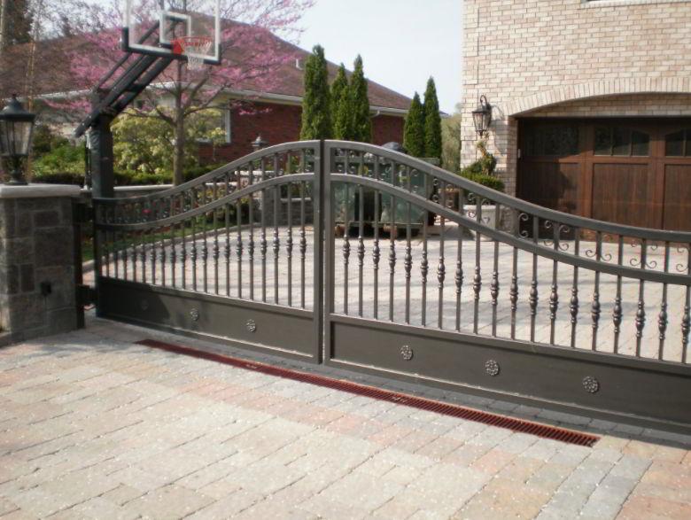 Iron Driveway Gate Ideas