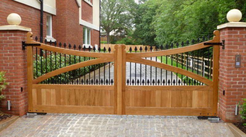 Best Timber Driveway Gate