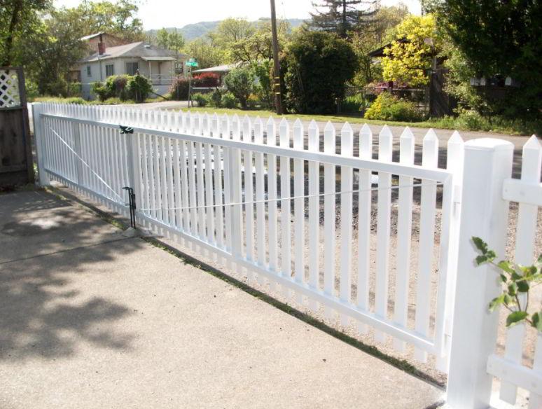 Best Vynil Driveway Gate