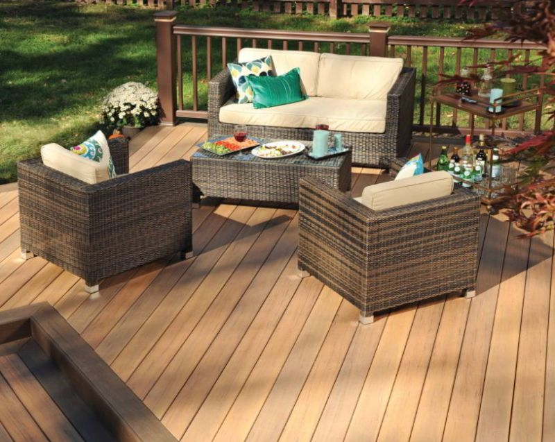 Beautiful Two-Tone Deck Design