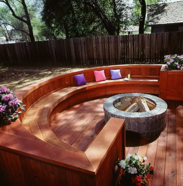 Curved Seating Deck Ideas
