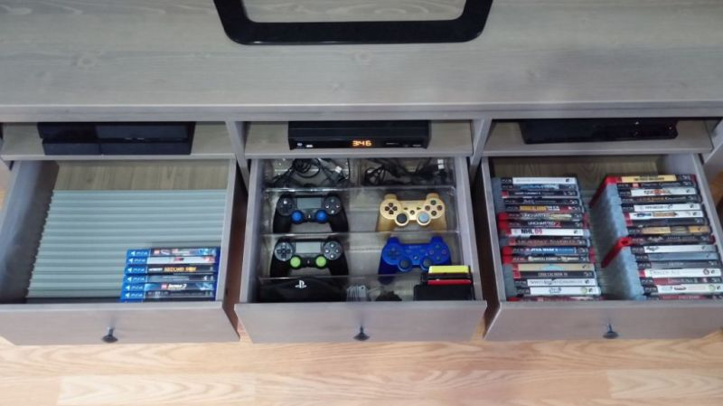 gaming room organized Idea