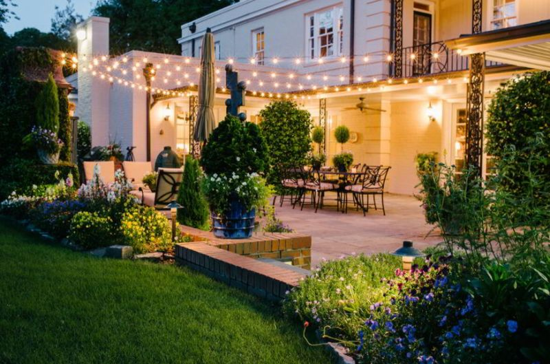 variety of outdoor lights