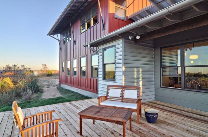 Advantages of Metal Buildings with Living Quarters
