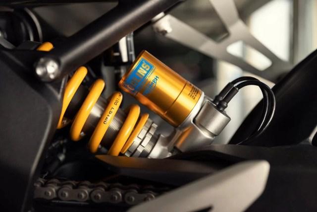 Triumph Speed Triple 1200 RR 2022 detalles 7 1200x800 1