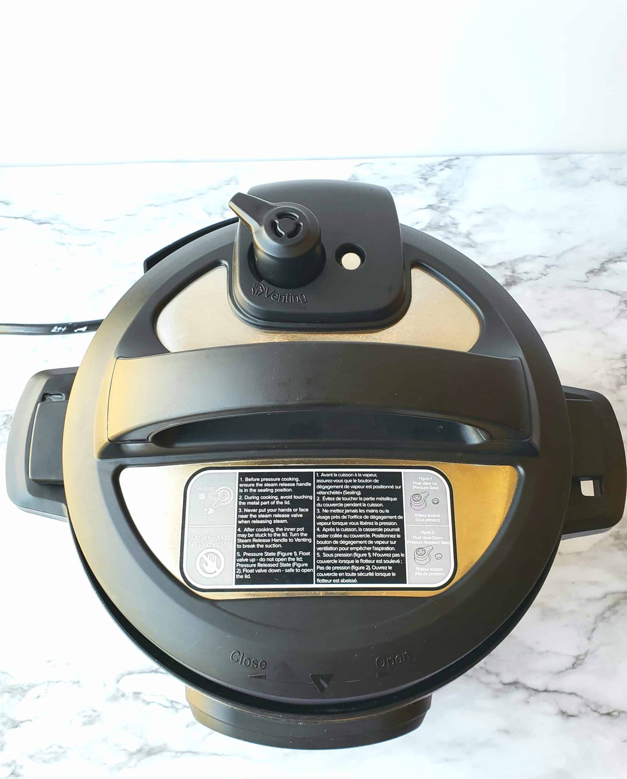 Instant Pot 6 quart Duo 7-in-1 showing Pressure release handle on Sealing
