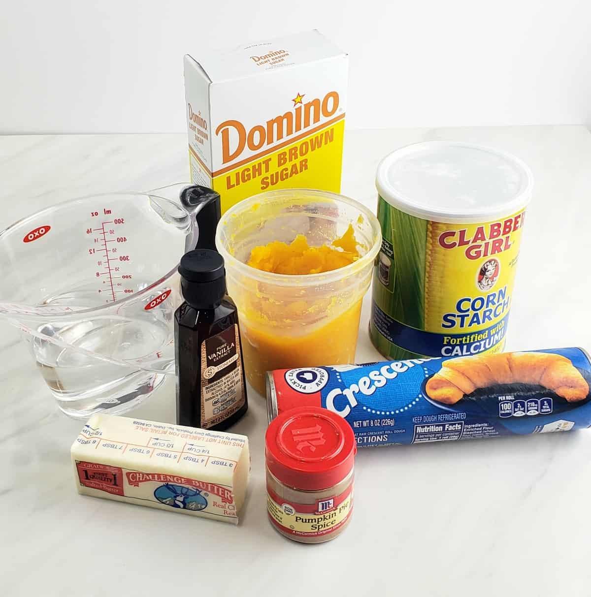 Ingredients: brown sugar, pumpkin puree, cornstarch, butter, pumpkin spice, crescent rolls