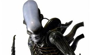 neca alien figure 1
