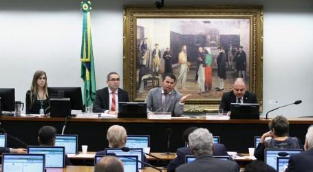 Comissão arquiva projeto da Escola sem Partido
