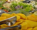 Alimentação saudável ajuda a controlar ansiedade durante pandemia, afirma nutricionista
