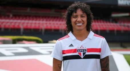 Atacante da Seleção Feminina, Cristiane é contratada pelo São Paulo