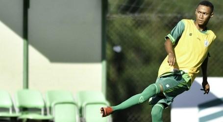 Com treino físico e rachão, Coelho está pronto para enfrentar o Villa Nova-MG