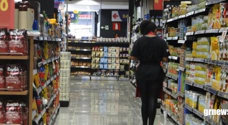Intenção de consumo das famílias recua 1,7% em julho