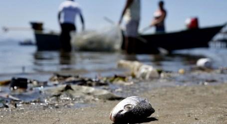 Um bilhão de litros de chorume são despejados na Baía de Guanabara, no Rio de Janeiro