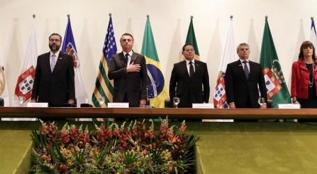 Jair Bolsonaro pede que novos diplomatas trabalhem por um Brasil aberto