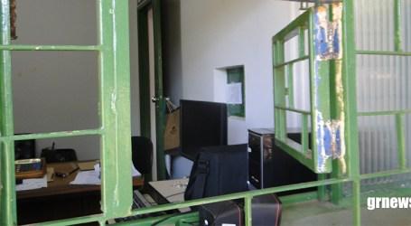 Arrombadores invadem escritórios do IMA e Emater-MG no Parque de Exposições e furtam vários equipamentos
