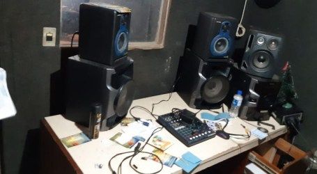 Policiais deflagram operação contra rádios pirata no Rio de Janeiro