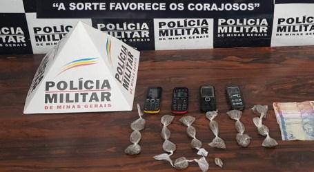 Idoso suspeito de tráfico de drogas é preso com maconha, dinheiro e celulares em Divinópolis
