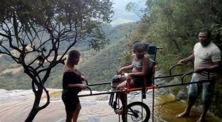 Pessoas com deficiência podem aproveitar as atrações do Parque do Ibitipoca em MG