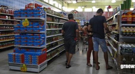 Supermercados e padarias funcionarão em novo horário e prefeito decreta Situação de Emergência por causa da Dengue