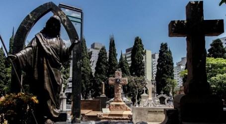 Brasil ultrapassa 70 mil mortes por Covid-19 e 1,8 milhão de casos