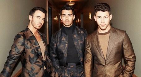Jonas Brothers lançam dois singles no mesmo dia