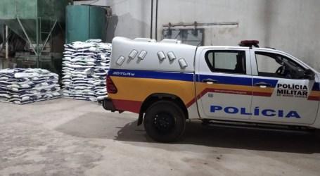 PM recupera 22 toneladas de sal em Onça de Pitangui; estelionatários ainda não foram presos